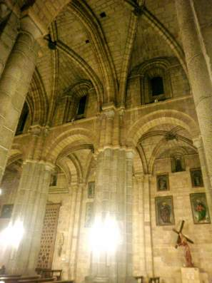 avila_-_iglesia_de_san_pedro_16