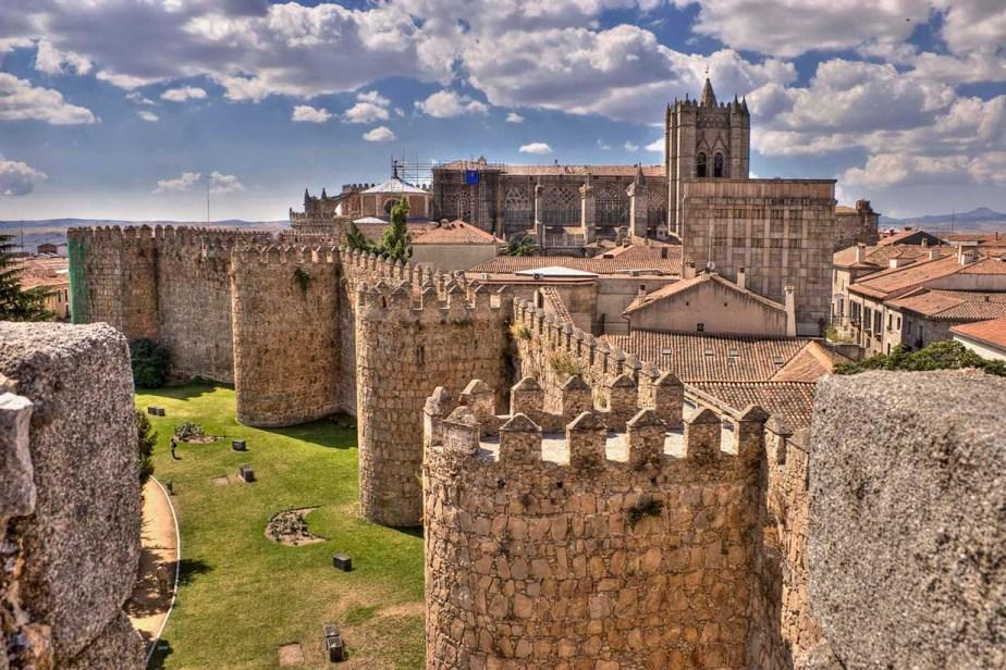 La muralla de Ávila (y sus múltiplesusos)